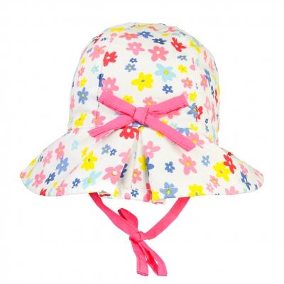 Chapeau imprimé fleurs